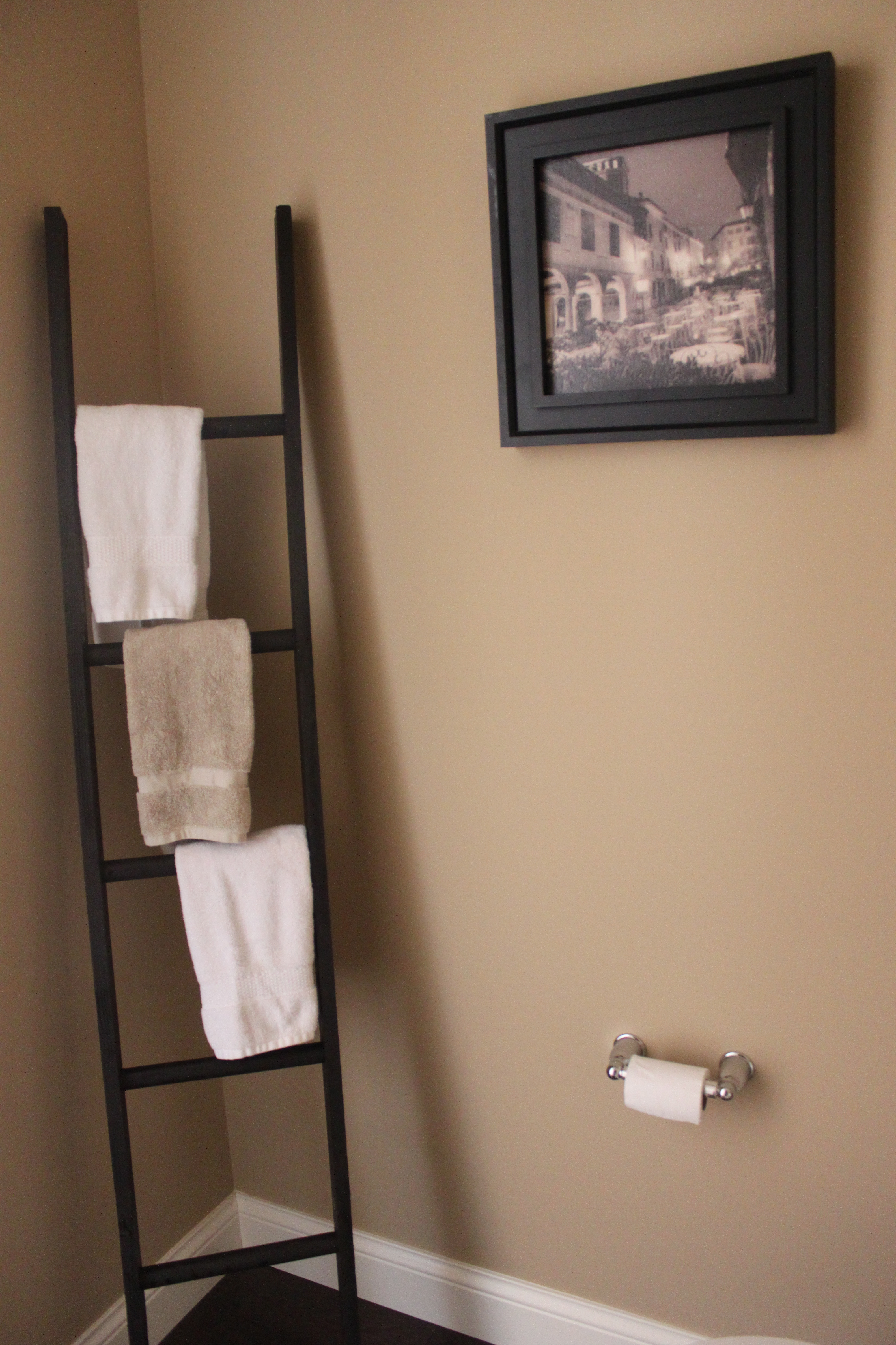Diy ladder towel rack mommy 39 s me time for Rack porte serviettes bain