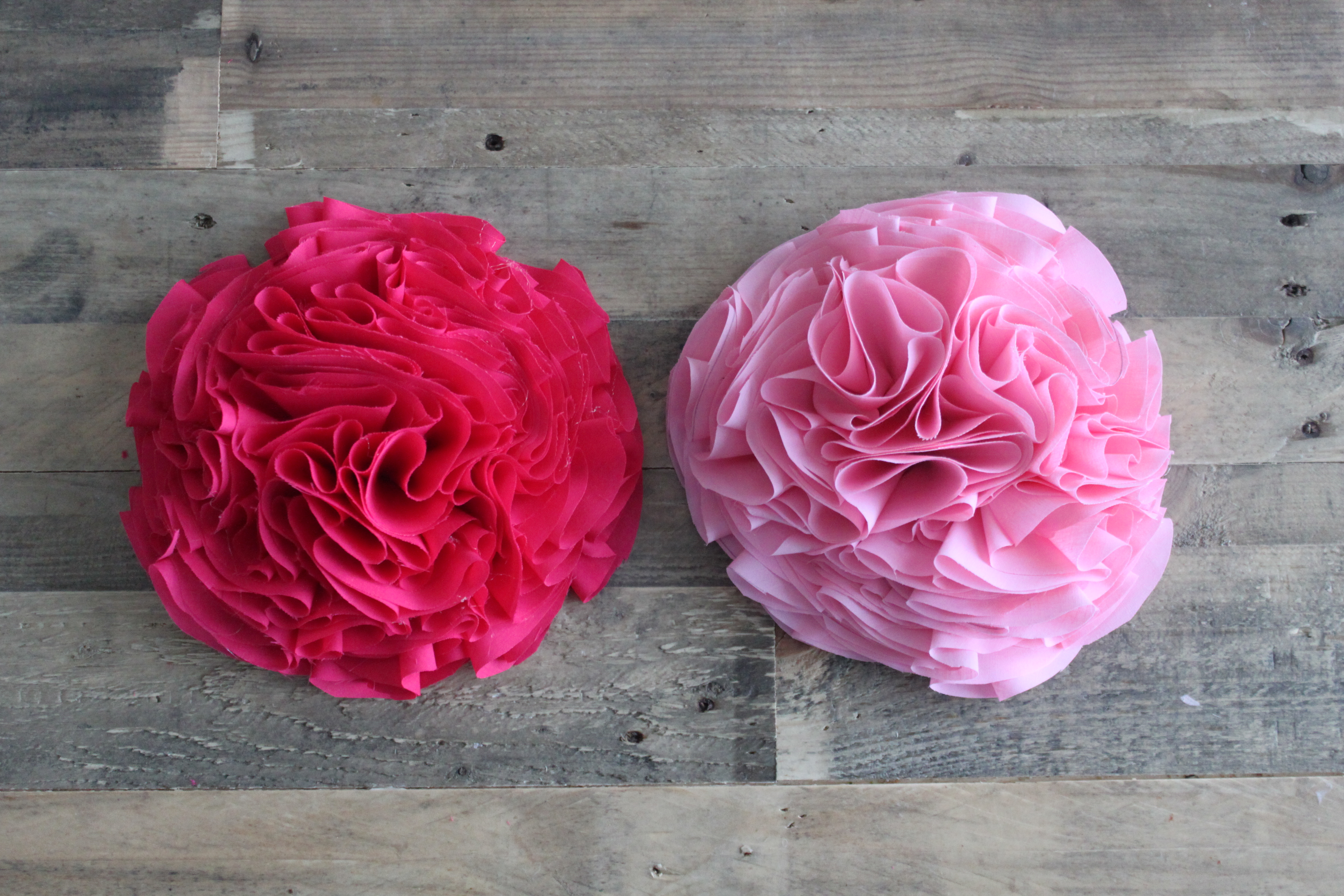 Uncategorized Diy Fabric Flower diy fabric wall flowers mommys me time img 8652